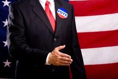 Politiker, der Hände rüttelt Stockfoto