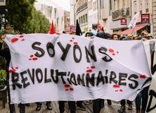 Politisk marsch under en fransk rikstäckande dag mot Macrow la Royaltyfri Bild
