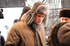 Polityk Alexei Navalny na scenie zdjęcia stock