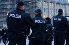 Polizei在汉堡Rathausmarkt 免版税库存照片