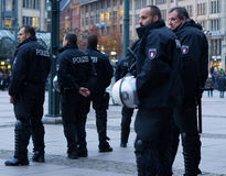 Polizei à Hambourg Rathausmarkt Photographie stock libre de droits