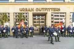 Polizei auf der Bereitschaft, zum am Jahrestag der deutschen Einheit in Franc zu unterstützen Lizenzfreie Stockfotografie