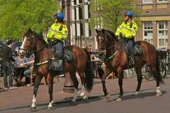Polizei auf Pferd stockbilder