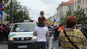 Polizei bedrängt homosexuelle Parade stock video