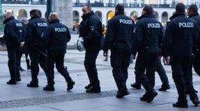 Polizei en Hamburgo Rathausmarkt Fotos de archivo