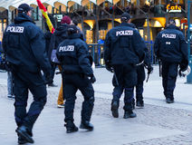 Polizei en Hamburgo Rathausmarkt Foto de archivo libre de regalías