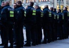 Polizei en Hamburgo Rathausmarkt Imagenes de archivo