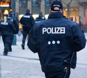Polizei en Hamburgo Rathausmarkt Fotografía de archivo libre de regalías