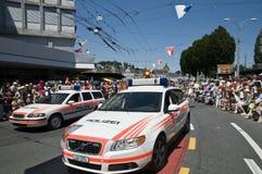 Polizei führt vor Stockfoto