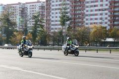 Polizei-Motorradfahrer Lizenzfreies Stockbild