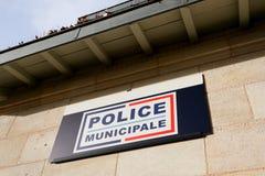 Polizei municipale bedeutet im französischen städtischen Polizeigebäude in Frankreich unter Berechtigung von Stadt Bürgermeister stockfotografie