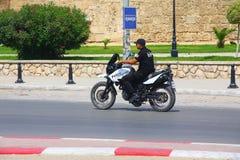 Polizei-Tunesien-Konservenbestellung in der Stadt der Sousse-Motorradpatrouille lizenzfreies stockfoto