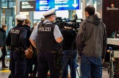 Polizei w Frankfurt lotnisku Zdjęcia Stock