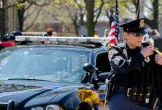 Polizeibeamte auf dem Job Lizenzfreies Stockbild
