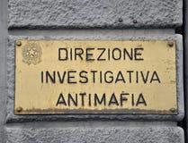 Polizeidienststelle, die organisiertes Verbrechen nachforscht Stockfoto