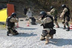 Polizeieinheit im Training Stockbild