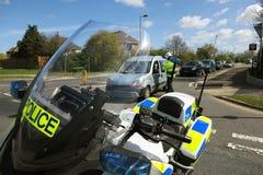 Polizeimotorradfahrer an einem Vorfall. Lizenzfreie Stockbilder