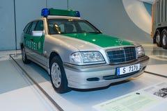 Polizeirevierlastwagen Mercedes-Benz C 220 CDI T-Modell, 2000 Lizenzfreie Stockfotos