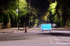 Polizeistraßensperre nach nicht detoniert Bombe verursacht Evakuierung des großen Gebiets des Bades stockbild