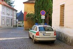 Polizeiwagen auf der Straße Stockfotografie
