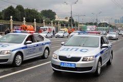 Polizeiwagen an erster Moskau-Parade des Stadt-Transportes Stockbilder