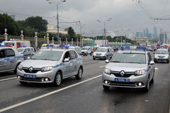 Polizeiwagen an erster Moskau-Parade des Stadt-Transportes Stockfoto