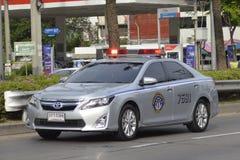 Polizeiwagen für Landstraßen8 polizisten Stockbild