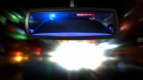 Polizeiwagen im Rückspiegel lizenzfreie abbildung