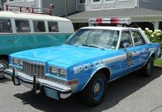 Polizeiwagen Weinlese NYPD Plymouth auf Anzeige Lizenzfreie Stockbilder