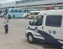 Polizeiwagenparken an Baoshan-Pier stockbild