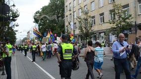 Polizia di media di parata gay stock footage