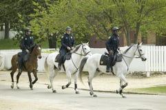 Polizia su a cavallo Fotografia Stock Libera da Diritti