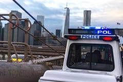 Polizia sul ponte Fotografia Stock Libera da Diritti