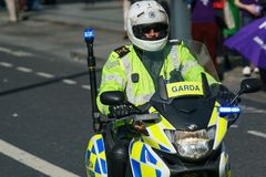 Polizia - ufficiali di polizia irlandesi Fotografie Stock