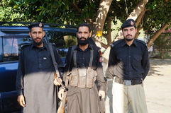 3 poliziotti non identificati in Besham, Pakistan Immagini Stock Libere da Diritti