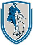 Poliziotto con la cresta canina del cane poliziotto retro Fotografie Stock