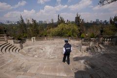 Poliziotto nel castello di Chapultepec fotografia stock