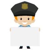 Polizist-Kinderjunge, der ein leeres Brett hält Stockfotografie