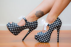 Polka Dot Stilettos Royalty-vrije Stock Foto's