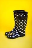 Polki kropki Gumowi buty Zdjęcie Stock