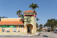 Pollo热带餐馆前面 免版税库存照片