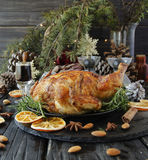 Pollo al forno per il Natale o il nuovo anno Fotografie Stock