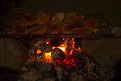 Pollo arrostente col barbecue Immagine Stock Libera da Diritti