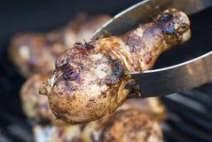 Pollo arrostito col barbecue di scatto fotografie stock libere da diritti