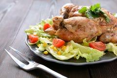 Pollo arrostito con il contorno di verdure Immagine Stock Libera da Diritti