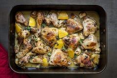 Pollo arrosto con l'aglio ed il timo del limone Immagini Stock