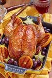 Pollo asado con las frutas Foto de archivo libre de regalías