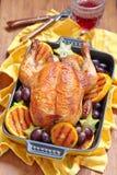 Pollo asado con las frutas Fotografía de archivo libre de regalías