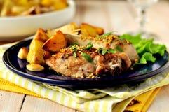 Carne asada del pollo y de la patata Fotografía de archivo