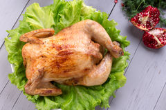 Pollo asado hecho en casa para la cena festiva Imágenes de archivo libres de regalías